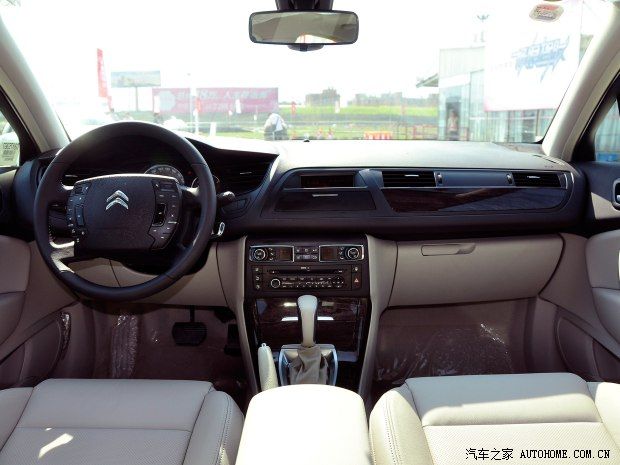 雪铁龙东风雪铁龙雪铁龙C52013款 2.0L 自动尊享型